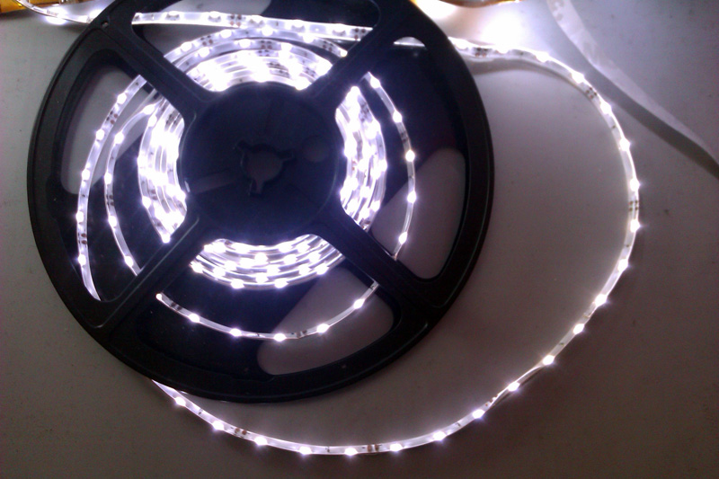 IP65_dripping_glue_waterproof_SMD_335_LED_white_light_strip_60_LEDs_per_meter