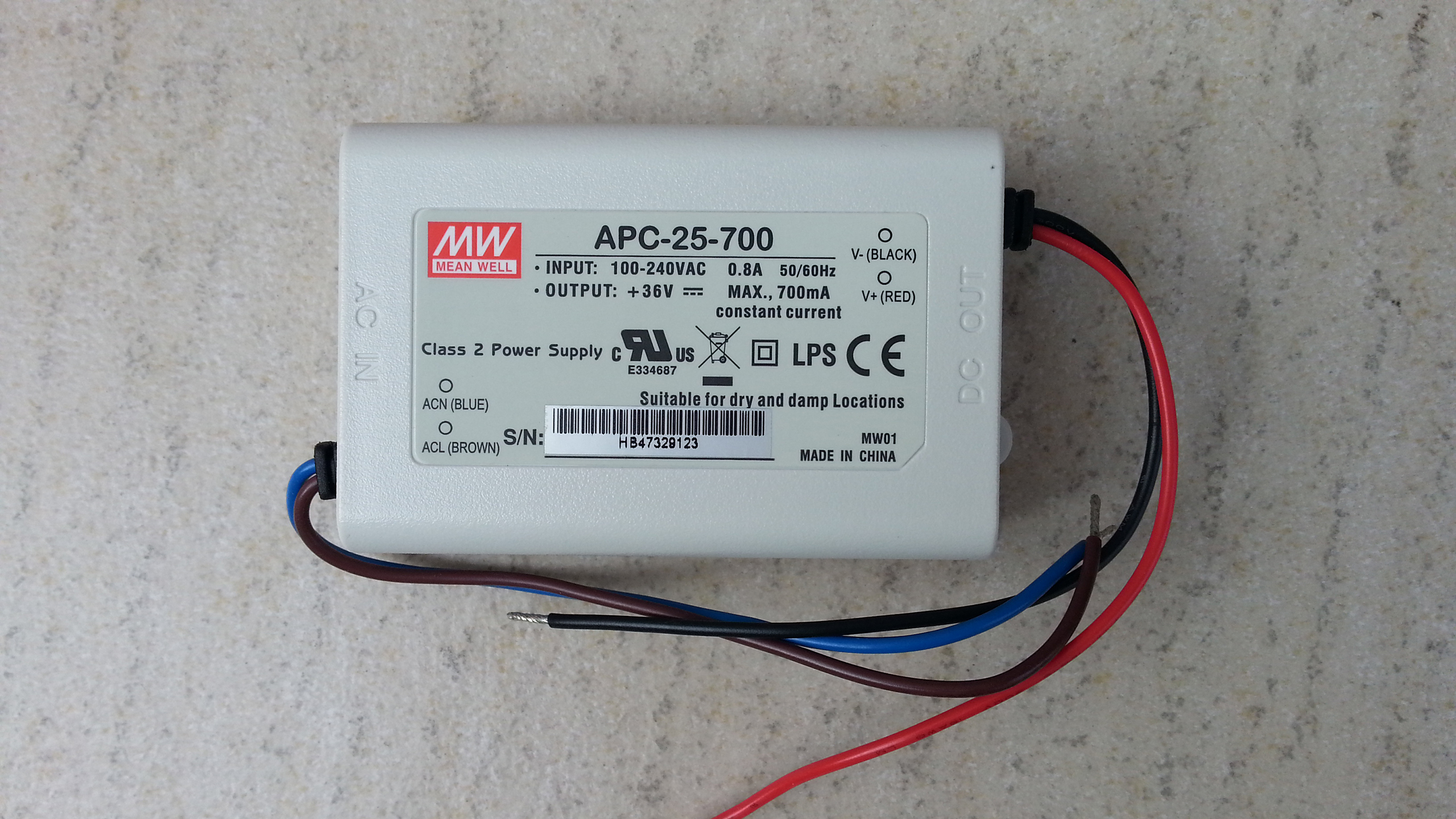 Meanwell_APC_25_700_constant_current_LED_driver_power_supply