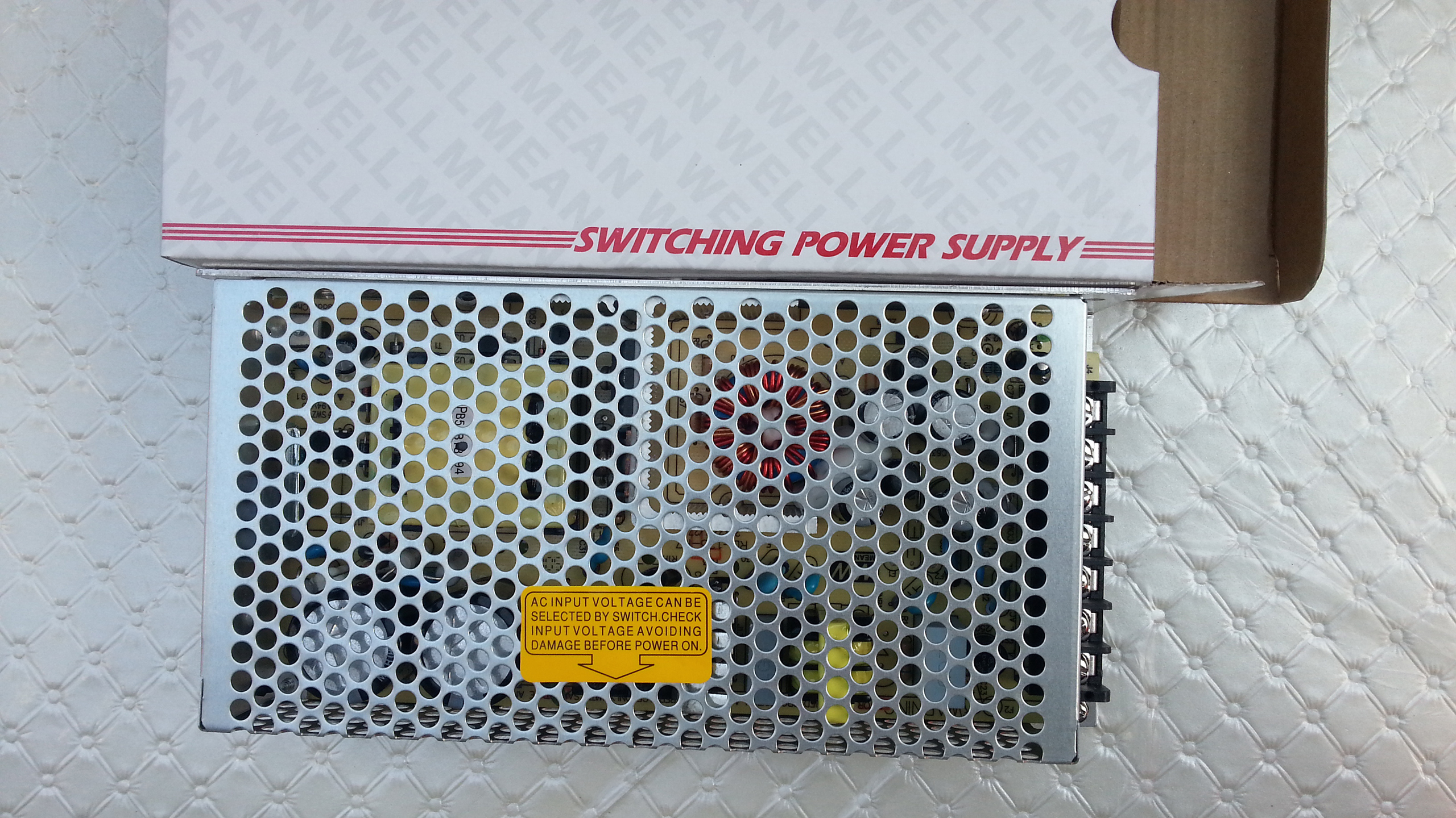 Meanwell_RD_125A_switching_power_supply_top