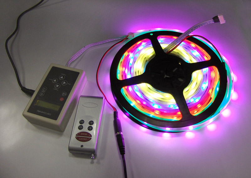 waterproof_intelligent_IC_LED_light_strip_with_94_color_change_IR_remote_controller_and_adapter